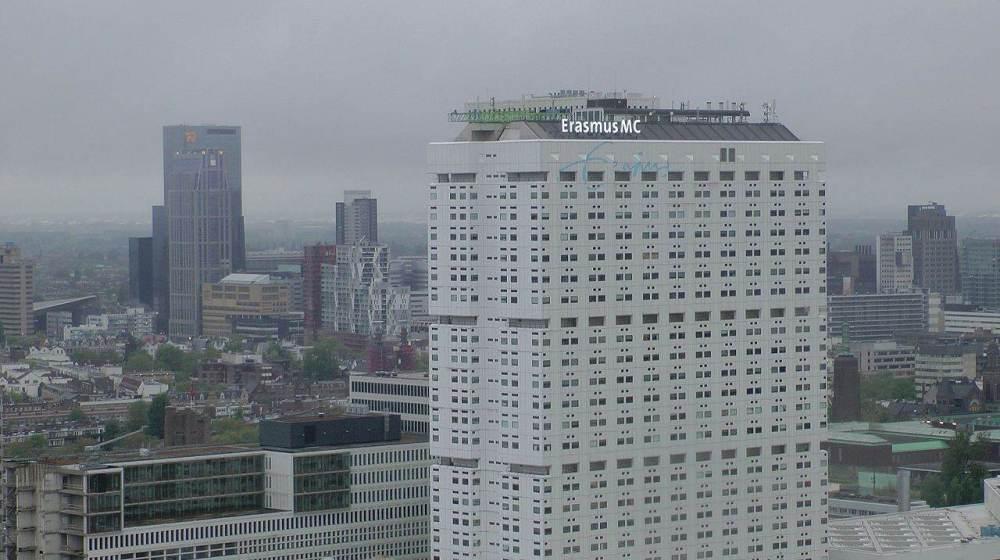 Stel live vragen over corona, de maatregelen en scenario's aan Rotterdam ziekenhuisartsen