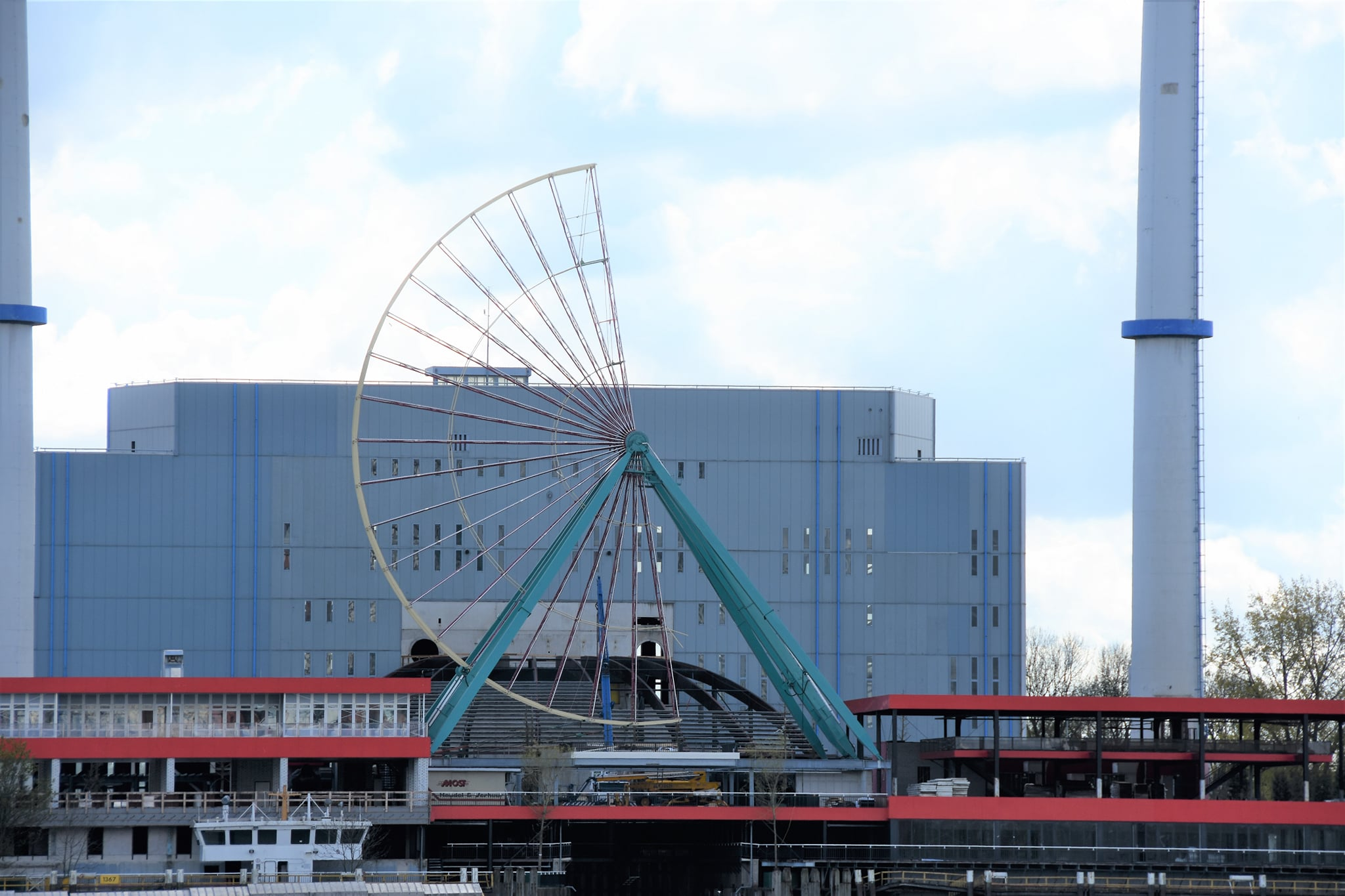 Reuzenrad Speelstad Rotterdam FOTO- KEES GRIMM